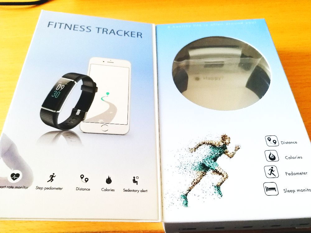 willful Fitness-Tracker in Verpackung